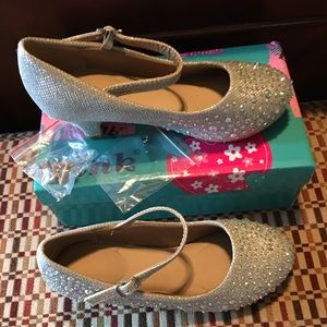 Link Girl's Silver Dress Up Shoes